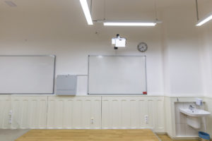 Debrecen, Debreceni Református Kollégium Gimnáziuma és Diákotthona – Interaktív projektorok, táblák
