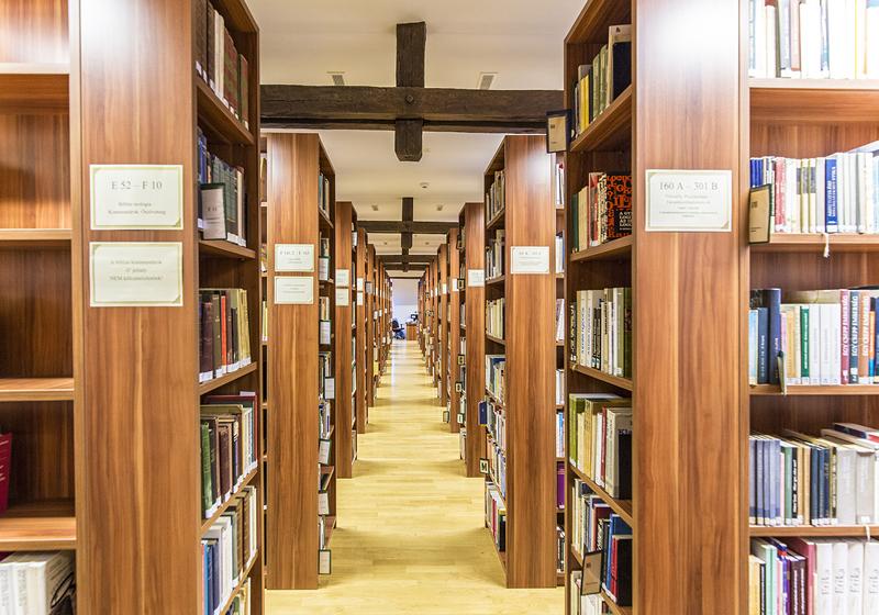 Könyvtári bútorok