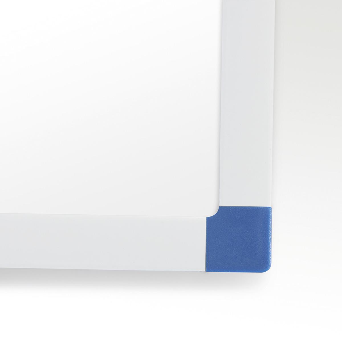 Állványos fehér tábla
