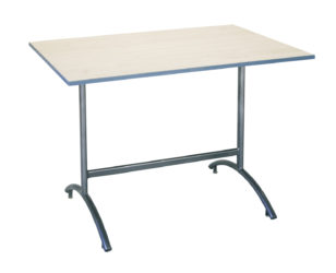 Kollégiumi asztal