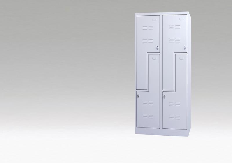 Z-ajtós öltözőszekrény