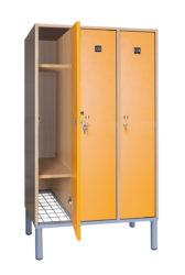 3 ajtós öltözőszekrény - OTB-140-3-Rács