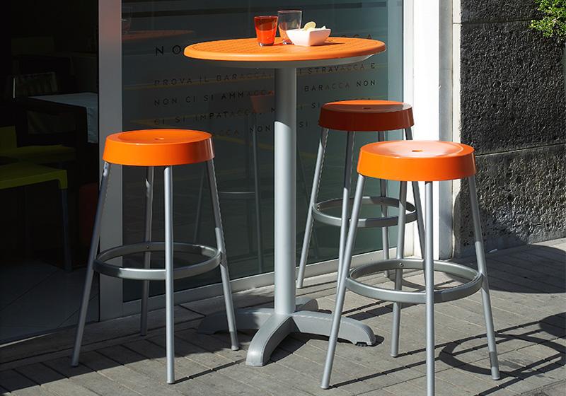 Műanyag bárasztal